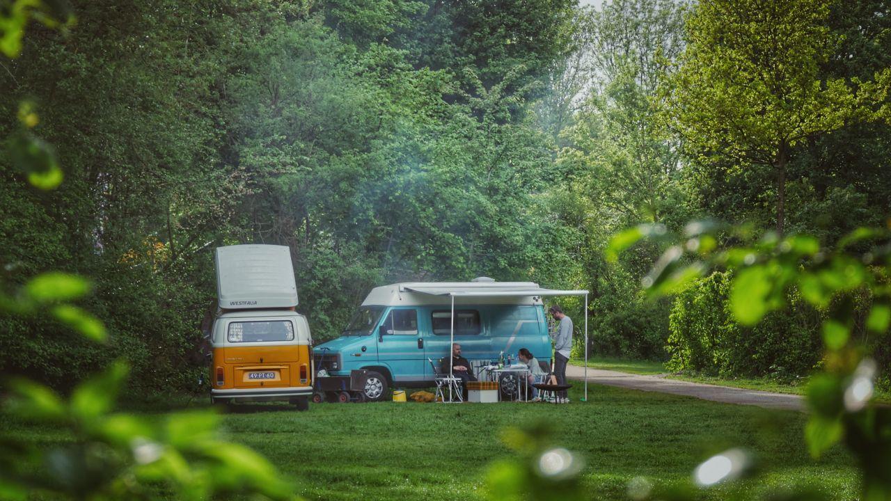 Camping de Lievelinge De Volkswagenbus Mr. Orange