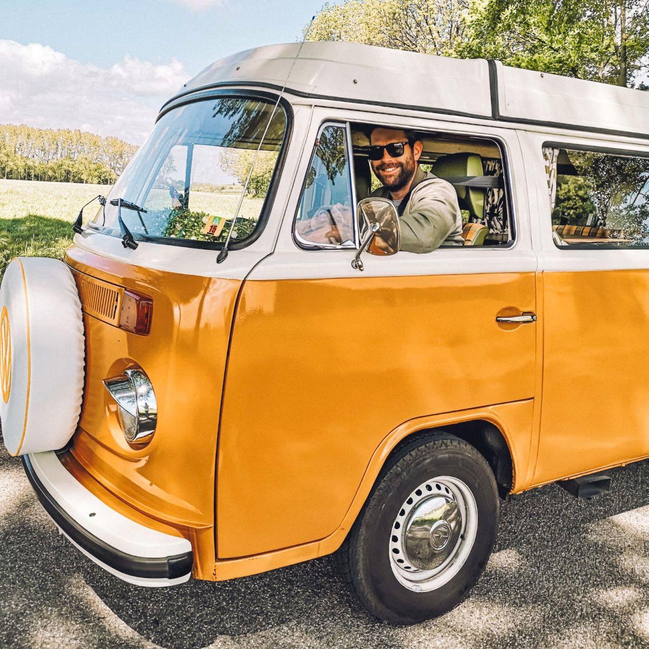 De Volkswagenbus Mr. Orange4