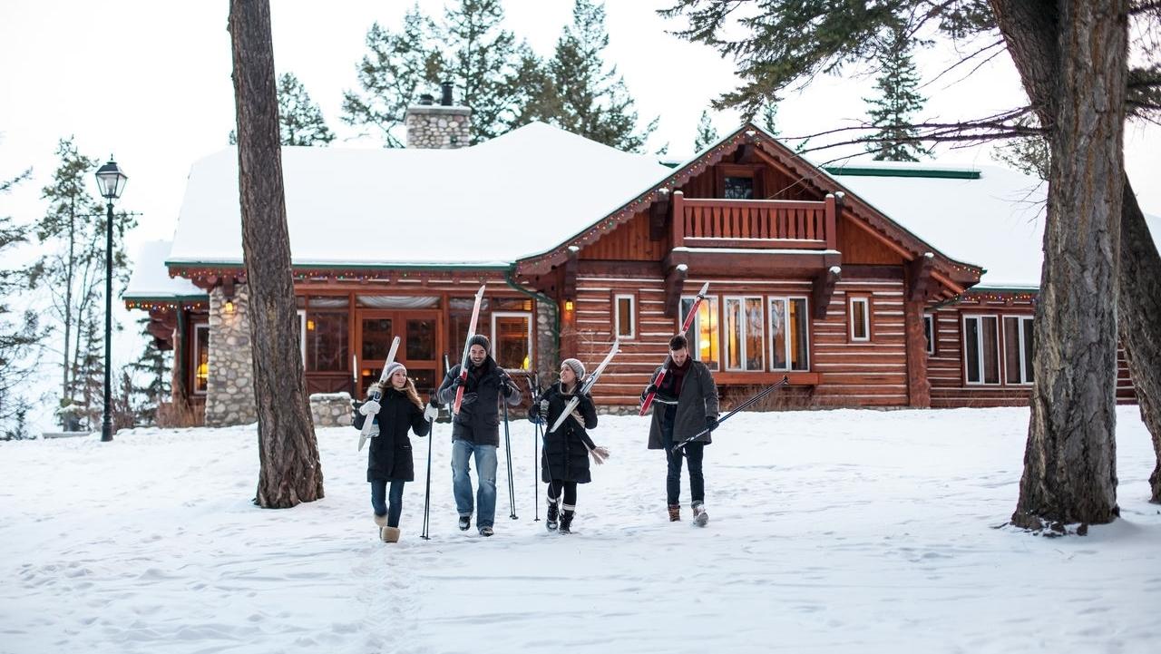 Skiers Credit Jasper Fairmont Park Lodge