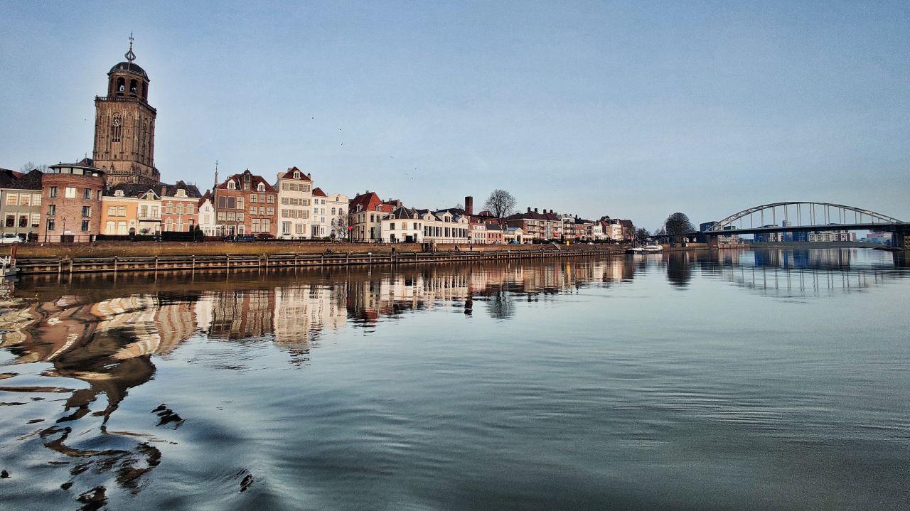 Deventer hanzestad stedentrip IJssel brug