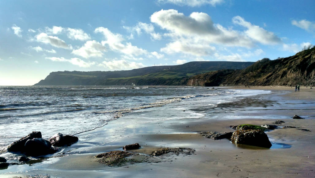 Robin Hoods Bay sea