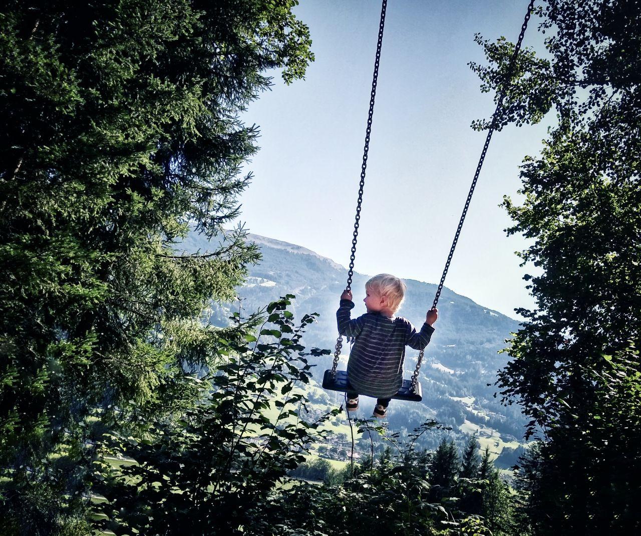 Zillertal Tirol Oostenrijk schommelen2