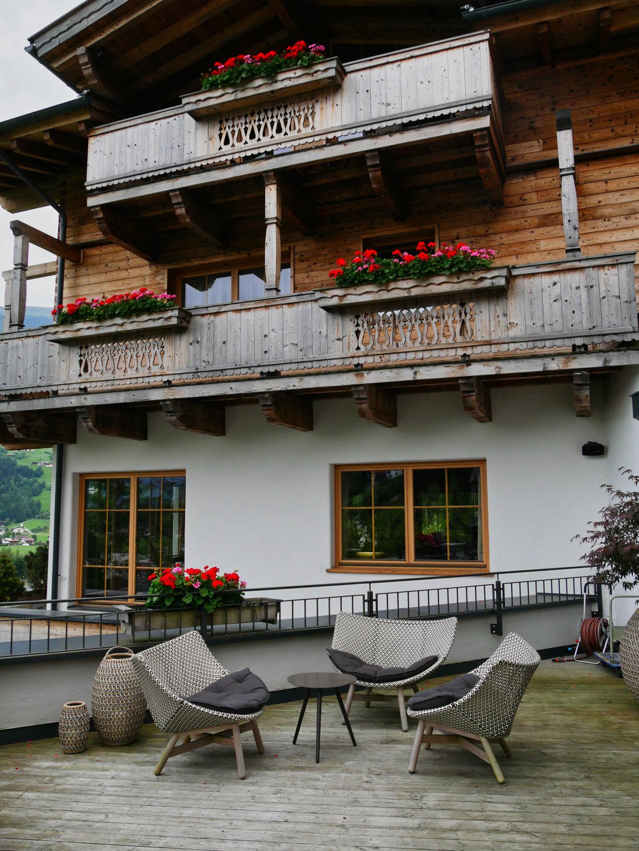 Hotel Das Kaltenbach Zillertal Oostenrijk terras